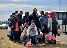 Polacy boj� si� uchod�c�w i twierdz�, �e ci zabieraj� im prac� [SONDA�]