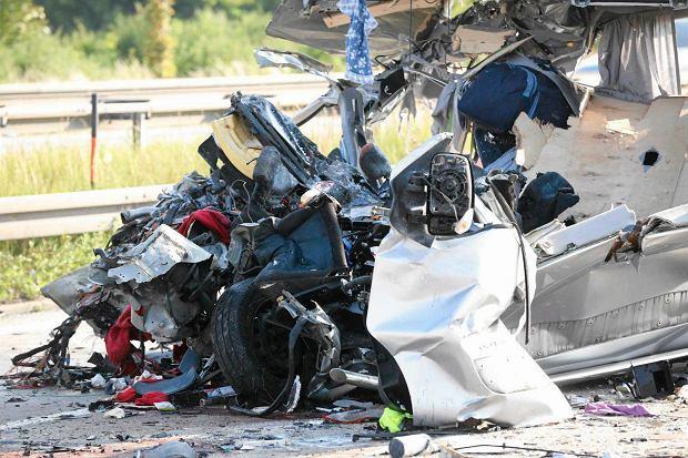 Niemcy. Zidentyfikowano siedem ofiar wypadku drogowego pod Dreznem. To Polacy