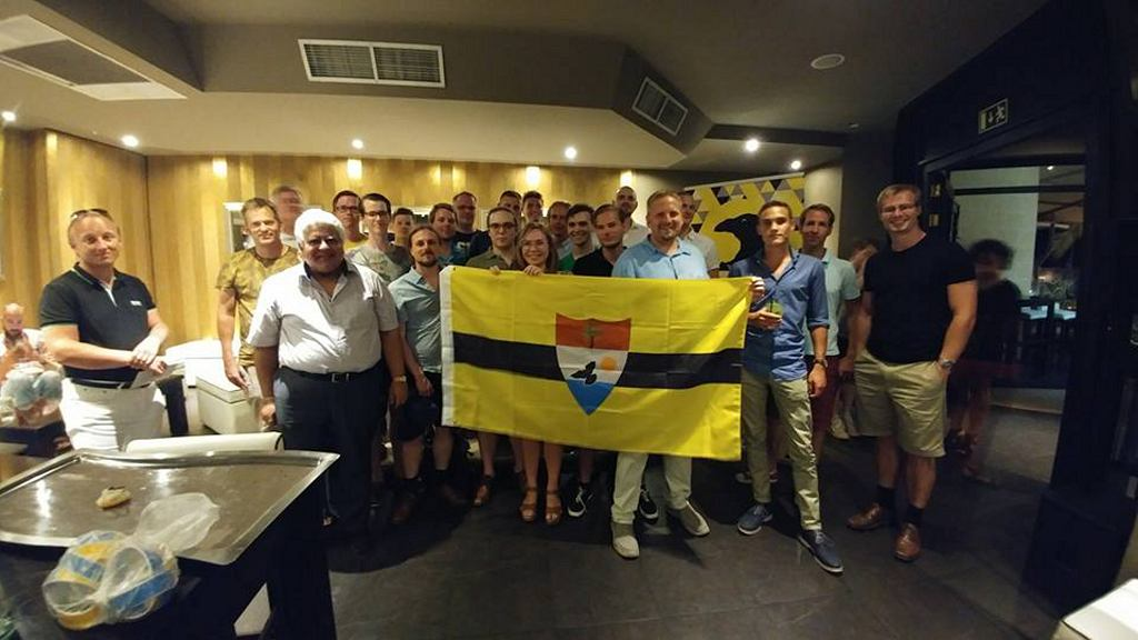 Przedstawiciele Liberlandu podczas otarwcia swojego biura na Malcie (fot. Liberland)
