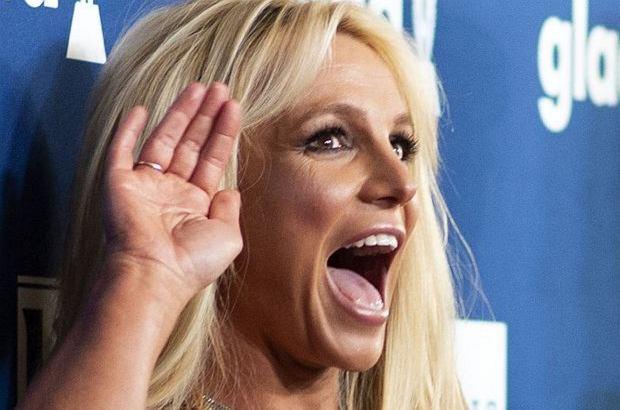 Podczas jednego z ostatnich koncertów Britney Spears doszło do zabawnego zdarzenia. Piosenkarka nie mogła opanować śmiechu, kiedy usłyszała pytanie od fana.