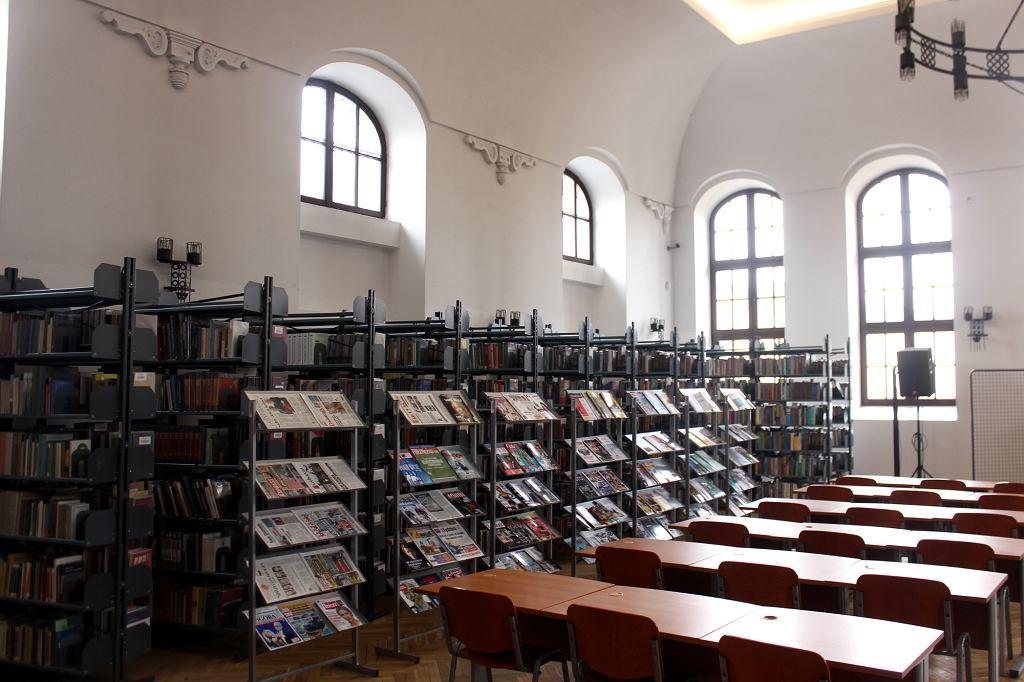 Biblioteka w piotrkowskiej synagodze (fot. Bartosz Józefiak)