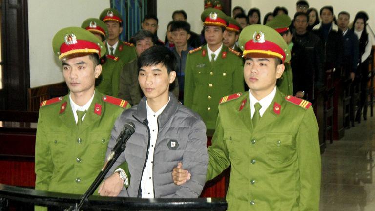 Proces wietnamskiego aktywisty Nguyena Van Hoa skazanego za poinformowanie opinii publicznej o wycieku z fabryki stali