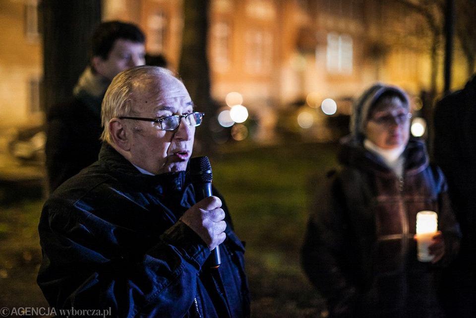 Zdjęcie numer 1 w galerii - Protest pod sądem w Opolu. Łzy, wzruszenie i mocne słowa legendy