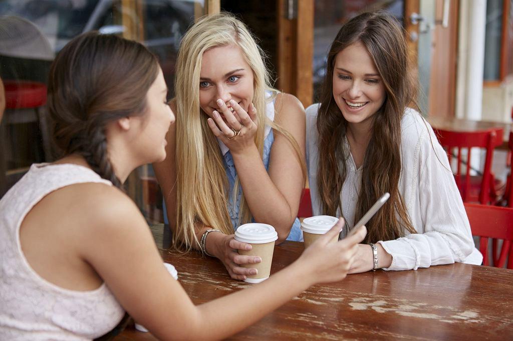 Najbardziej atrakcyjne są kobiety między 16.-18. a 25.-26. rokiem życia, bo mają wtedy największy potencjał reprodukcyjny; zdjęcie ilustracyjne (fot. Warren Goldswain / iStockphoto.com)