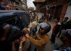 Nepal: Setki ofiar potężnego trzęsienia ziemi o magnitudzie 7,9. Są bardzo duże zniszczenia