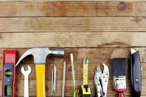 Jak wyliczyć limit metrażu powierzchni uprawniający do stawki 8% dla piwnicy i garażu?