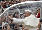 """Niemiecki teolog: """"Ta kanonizacja wskazuje na napięcia w Watykanie"""" [WYWIAD]"""