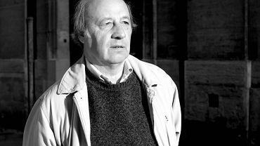 Ks. Gérard Wybo. Od 14 lat jest duszpasterzem artisans des fetes - 'rzemieślników zabawy', czyli cyrkowców i właścicieli atrakcji w lunaparkach paryskich