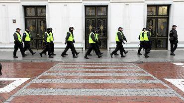 Wokół budynków Sejmu postawiono szpaler policjantów