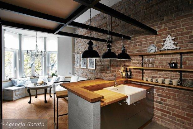 kuchnia otwarta, ściana ceglana, salon, aranżacje wnętrz