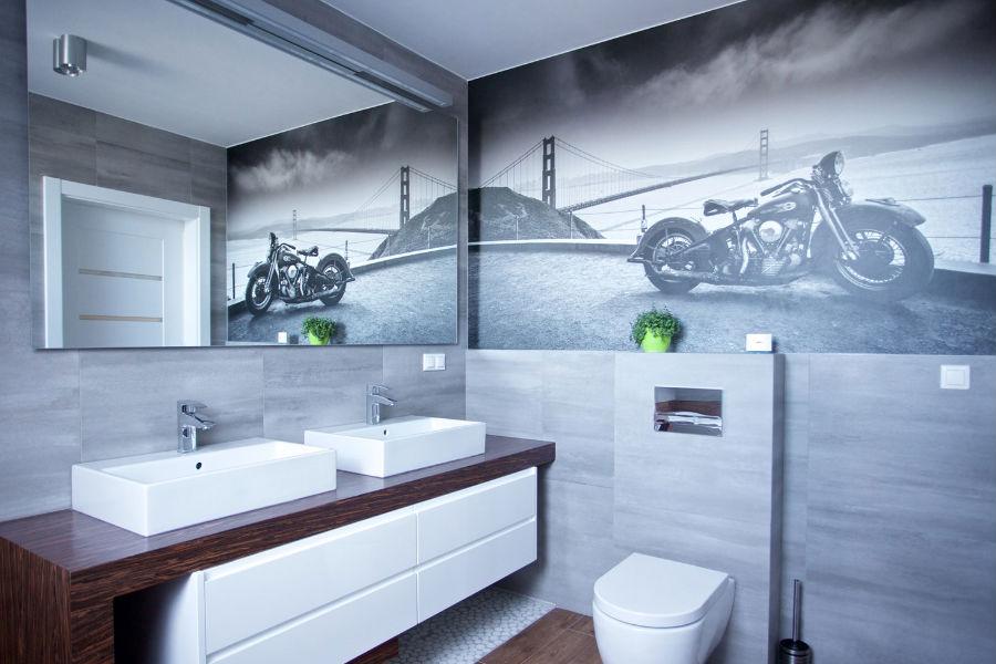 Lustra Na ścianie Tak Powiększysz łazienkę