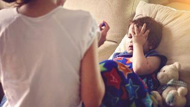 Gorączka u dziecka a stan podgorączkowy. Kiedy (i jak) zbijać gorączkę?