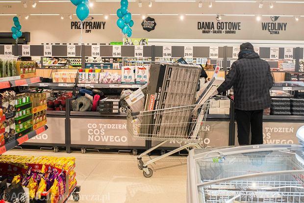 Niedziele handlowe 2018. W jakich sklepach możemy kupować bez ograniczeń?