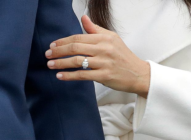 Meghan Markle Pokazała Pierścionek Zaręczynowy Zaprojektował Go Sam