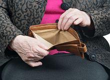 Komornik weźmie teraz mniej z emerytury dłużnika. Ale trudniej będzie o kredyt