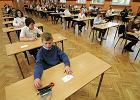 Sprawdzian sz�stoklasisty 2015: uczniowie pisz� dzi� sprawdzian sz�stoklasisty z j�zyka polskiego