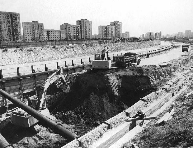 1983 - Ruszyły prace na Ursynowie.
