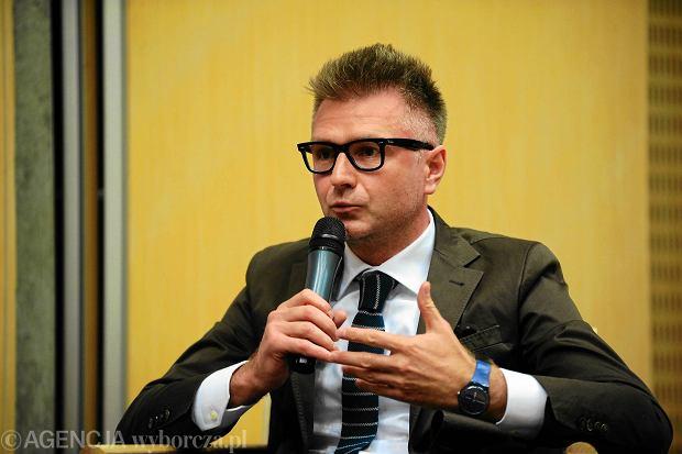 Makowski: Najkr�tsza droga do dechrystianizacji Ko�cio�a wiedzie przez PiS