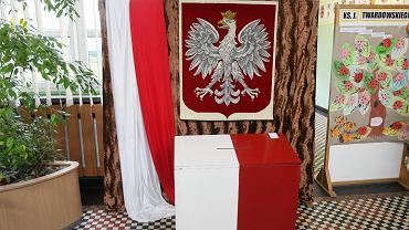 Wybory samorządowe 2018. Ponad połowa Polaków nie wie jeszcze, na kogo odda swój głos - tak pokazuje najnowszy sondaż wyborczy