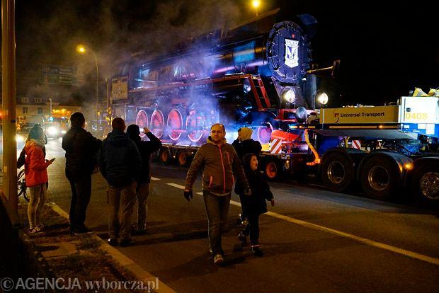 Zdjęcie numer 41 w galerii - Lech Poznań ma już swoją lokomotywę. Parowóz stanął przed stadionem przy Bułgarskiej