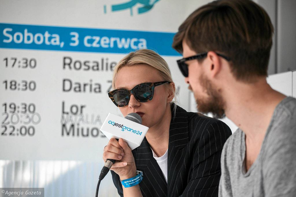 Rosalie. w newsroomie CJG 24 na Orange Warsaw Festivalu / DAWID ŻUCHOWICZ