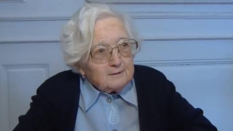 W wieku 90-lat zdobyła doktorat. Brawo!