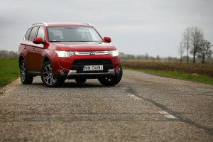 Mitsubishi Outlander 2.2 D-ID AT | Test | Wyt� wzrok