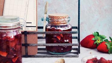 Pieczony dżem truskawkowy z lawendą