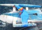 Statek PŻM trafił na wrak na Pacyfiku. Załoga znikła, wokół pływały rekiny