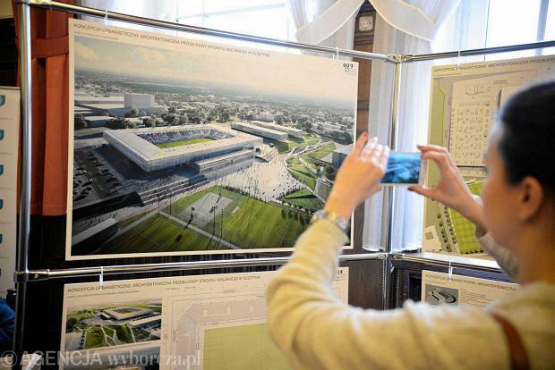 http://bi.gazeta.pl/im/2d/6f/12/z19329837Q,Ogloszenie-wynikow-na-stadion-miejski-w-Olsztynie.jpg
