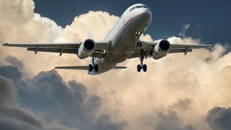 Lądowanie samolotu (zdjęcie ilustracyjne)