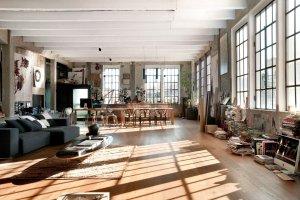 Wn�trza: loft w dawnej w�oskiej fabryce