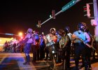 Kolejne zamieszki w Ferguson. Obama: Przesta�cie krzycze�, zacznijcie s�ucha�