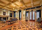 Czterokrotnie zwiększył wartość domu i wystawił go na sprzedaż za 287 milionów złotych