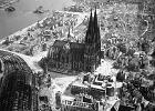 31 maja w historii. 1047 brytyjskich bombowców obróciło centrum Kolonii w gruzowisko