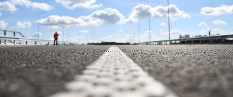 Zobacz, którymi nowymi drogami pojedziesz do końca roku. Będzie ich mniej niż planowano [RAPORT]
