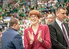 Minister Elżbieta Rafalska wygwizdana na meczu. Wręczała medale mistrzom Polski