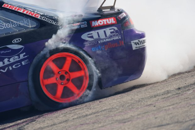 Inter Cars Motor Show | Pisk opon, k��b dymu i Rekord Guinnessa!