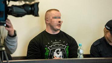 Krystian G. przed sądem za zastraszanie trzech innych mężczyzn i pozbawienie ich wolności