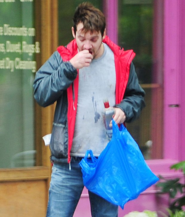 q15 MAY 2015  - LONDON  - UK*** EXCLUSIVE PICTURES ***IRISH ACTOR JONATHAN RHYS MEYERS LOOKIN WORSE FOR WEAR AS HE TRIES TO GET TWO BOTTLES OF VODKA IN ONE SHOP WHERE THEY REFUSE TO SERVE HIM BUT SECOND TIME ROUND HE MANAGED TO GET HIS VODKA. HE COULDNT WAIT TO GET HOME TO DRINK IT SO STARTED DRINKING IN THE STREET!!!BYLINE MUST READ : XPOSUREPHOTOS.COM***UK CLIENTS - PICTURES CONTAINING CHILDREN PLEASE PIXELATE FACE PRIOR TO PUBLICATION *****UK CLIENTS MUST CALL PRIOR TO TV OR ONLINE USAGE PLEASE TELEPHONE  442083442007** *** Local Caption ***   zdjecie z zasobu FORUMPAF JONATHAN RHYS MEYERS - ALX