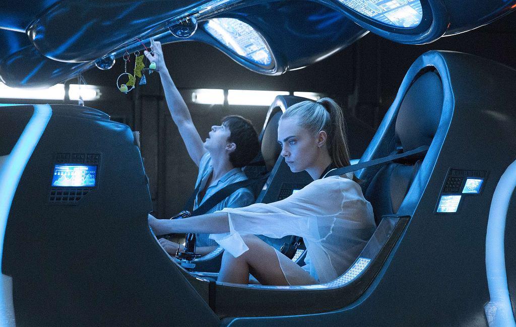 Dane DeHaan i Cara Delevingne w filmie 'Valerian i miasto tysiąca planet' / Materiały prasowe / Domitille Girard