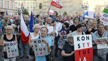 4.07.2018, Warszawa, demonstracja w obronie Sądu Najwyższego.