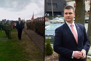 """Rzecznik MON przywitany z honorami: """"Czołem panie ministrze"""". Wojskowi komentują: Obciach [WIDEO]"""