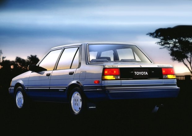 Toyota Corolla z 1983 roku