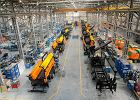 Narew maszynami rolniczymi stoi. 100 firm na stulecie niepodległości