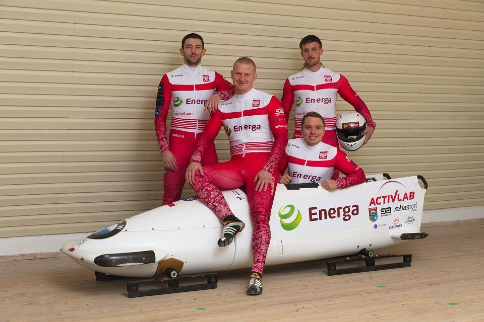 Od lewej: Kamil Masztak, Łukasz Miedzik, Krzysztof Tylkowski (stoi) i Mateusz Luty