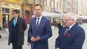 Prezes PSL Władysław Kosiniak-Kamysz na wrocławskim rynku