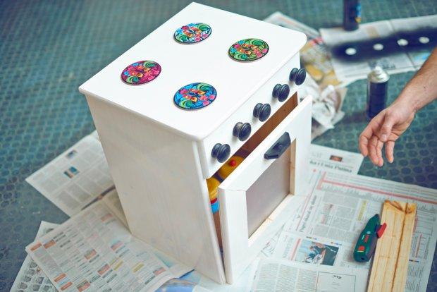 Zrób to sam kuchenka dla dziecka ze starej szafki  zdjęcie nr 7