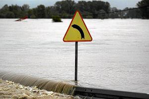 Og�oszono alarm powodziowy w Ja�le. Rz�dowe Centrum Bezpiecze�stwa: Mo�liwe wzrosty poziomu w�d w rzekach