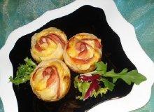 Karnawałowe tosty - róże - ugotuj